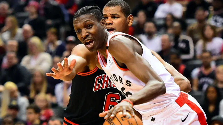 Canadian signs with Raptors