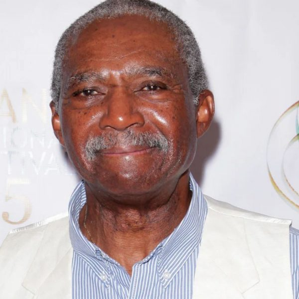 Charlie Robinson, Dead at 75